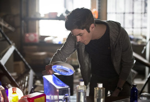"The Flash -- ""Flash Back"" -- Image: FLA217a_0105b.jpg -- Pictured: Grant Gustin as Barry Allen -- Photo: Diyah Pera/The CW -- © 2016 The CW Network, LLC. All rights reserved."