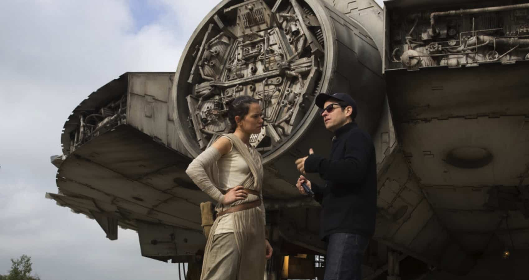 J.J. Abrams directing Daisy Ridley for a scene in Star Wars: The Force Awakens