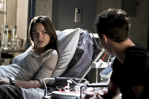"""The Flash -- """"Trajectory"""" -- Image FLA216b_0025b -- Pictured (L-R): Violett Beane as Jesse and Tom Cavanagh as Harrison Wells -- Photo: Katie Yu/The CW -- © 2016 The CW Network, LLC. All rights reserved."""