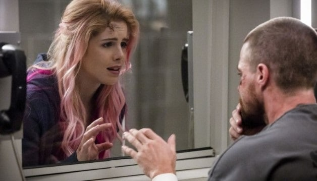 Arrow - Felicity's New Look - Courtesy of CW