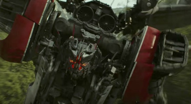 Transformers: 'Bumblebee' International Trailer Has New Footage Optimus Prime, Cybertron