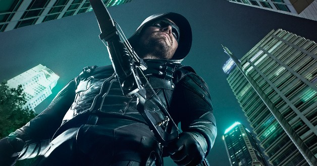arrow-cw-dc-arrowverse Stephen Amell Arrow Elseworlds