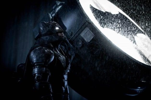 Batman v Superman bat signal Ben Affleck