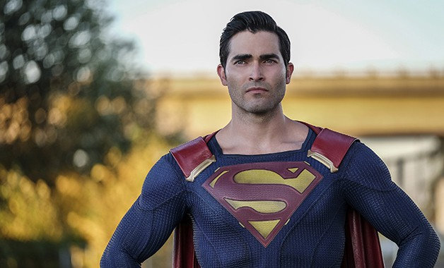 Superman dons his black suit in behind-the-scenes photo from Arrowverse crossover 'Elseworlds'