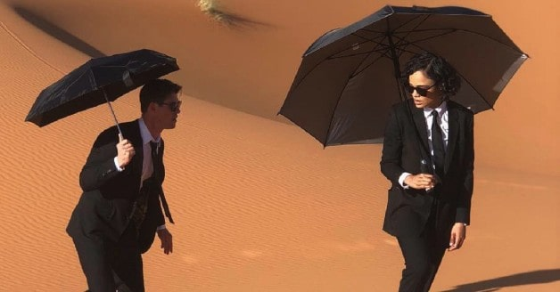 Men in Black Still Chris Hemsworth Tessa Thompson