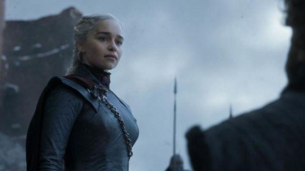 Game of thrones Emilia Clarke Daenerys targaryen (1)