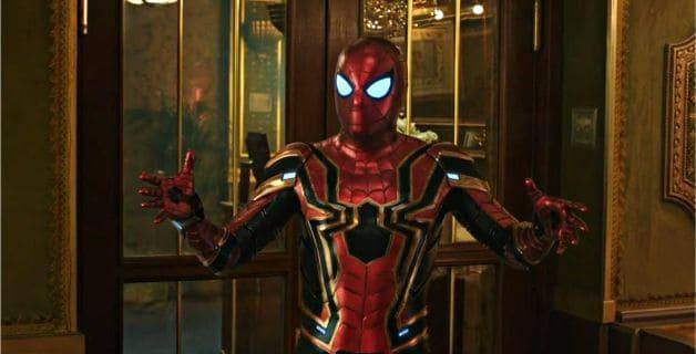 Spider-Man Iron Spider longe de casa