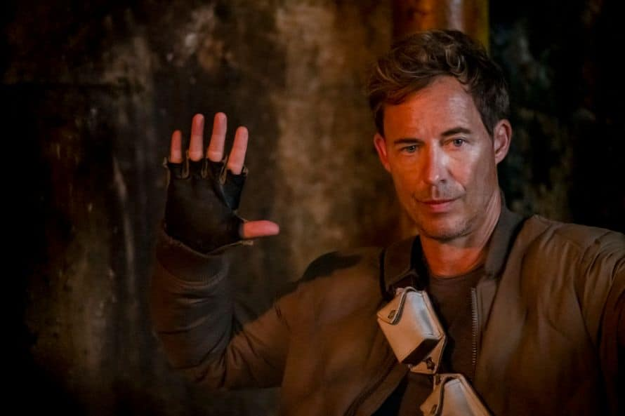 The Flash License To Elongate Grant Gustin Tom Cavanagh