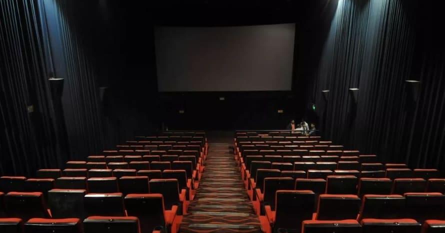 Movie Theaters Coronavirus Georgia California