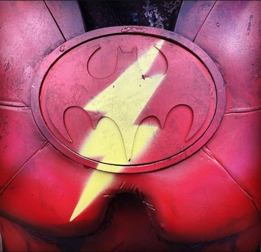 The-Flash-Batman-Teaser-Image-Andy-Muschietti